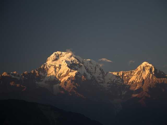Soleil levant sur l'Annapurna sud - Népal, © Thierry Monniez - Tirawa