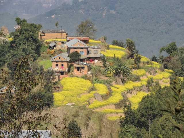 Village depuis les routes népalaises - Népal, © Guillaume Chenot - Tirawa