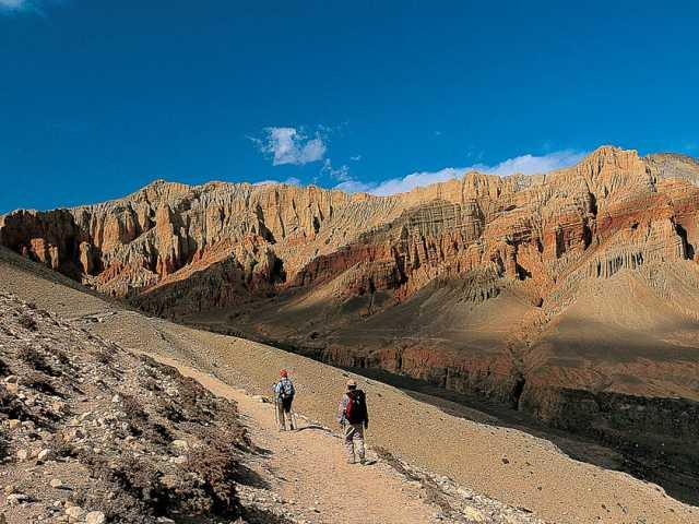 Les falaises rouges de Drakmar-Mustang, © Robert Dompnier
