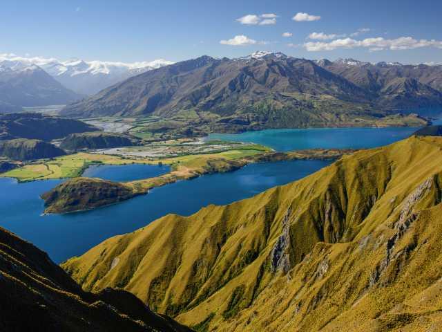 Belvédère du Roys Peak (1578 m) dominant le lac Wanaka - Nouvelle Zélande, © iStock
