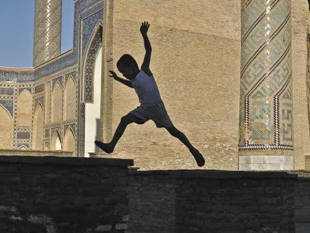 Jeux d'enfants à Samarcande - Ouzbékistan, © Géraldine Benestar - Tirawa