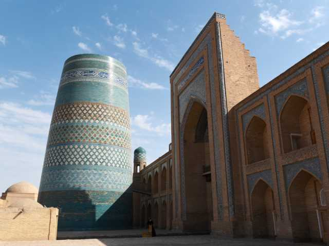 Le grand minaret de Khiva - Ouzbékistan, © Robert Dompnier