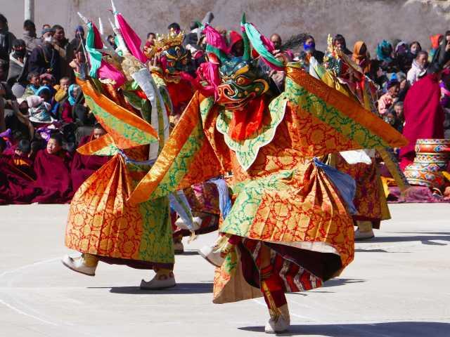 Danses sacrées - Amdo, © Robert Dompnier - Tirawa