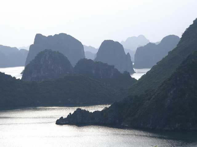 Baie d'Halong - Vietnam, © Christian Leroy Tirawa
