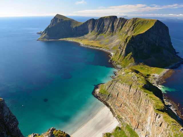 Randonnée sur les hauteurs de l'île de Vaerøy, Lofoten - Norvège, © Polaris Expéditions