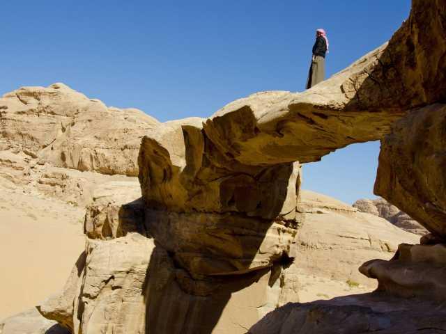 Désert du Wadi Rum, arche d'Umm Fruth - Jordanie, © Julien Erster - TIRAWA