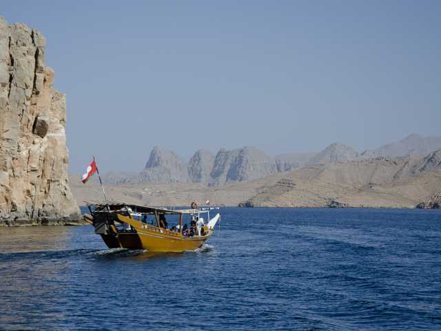 Sortie en boutre dans les fjords du Musandam - Oman, © Julien Erster - TIRAWA