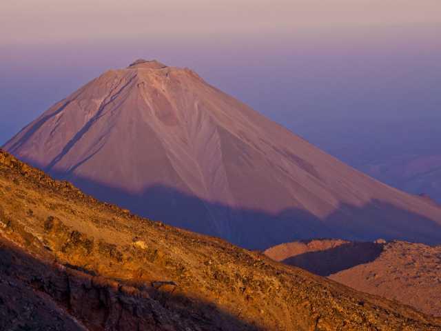Cône parfait du Petit Ararat - Turquie, © Julien Erster - TIRAWA