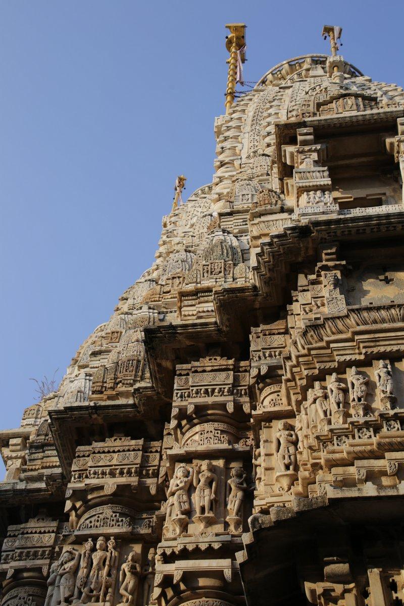 Temple Jagdish dédié à Garuda