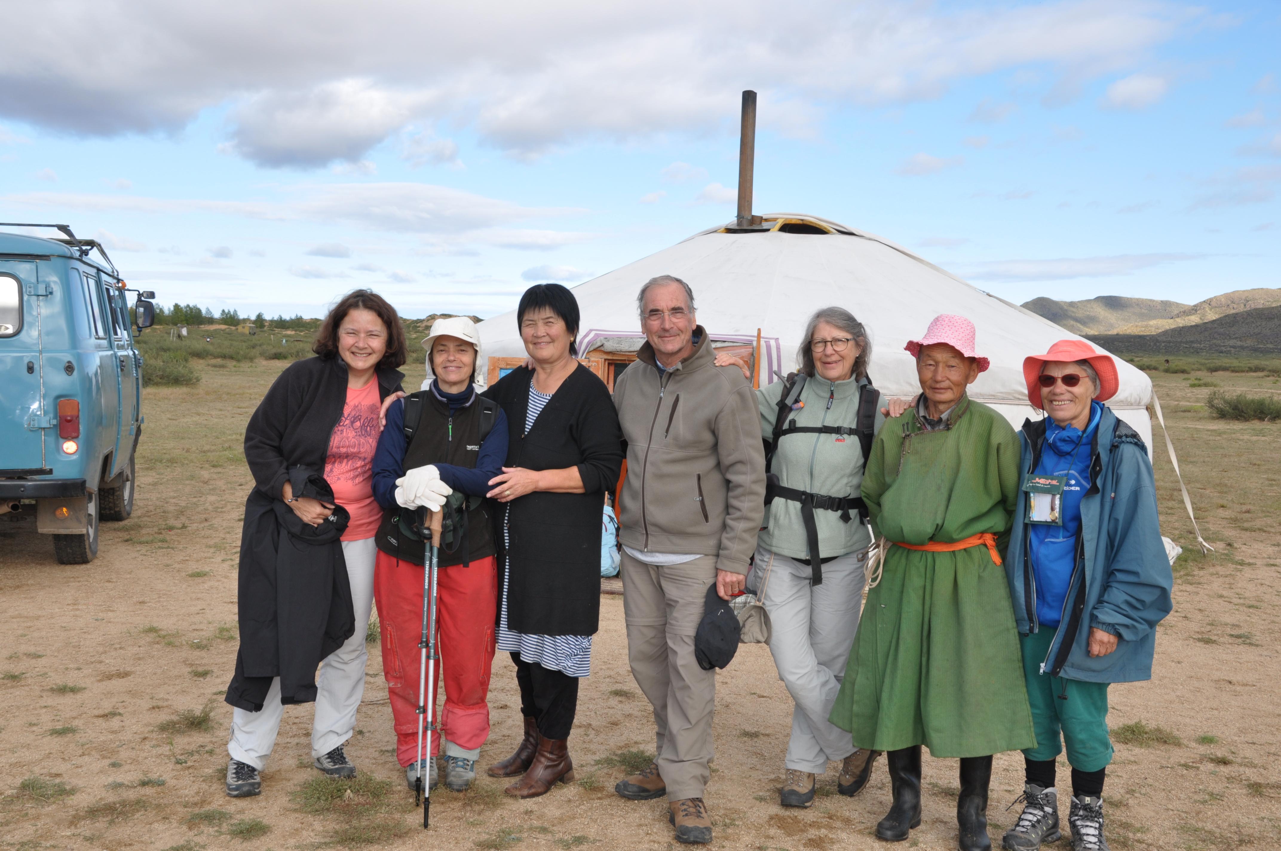 Photo groupe immersion chez les mongols - C tissot