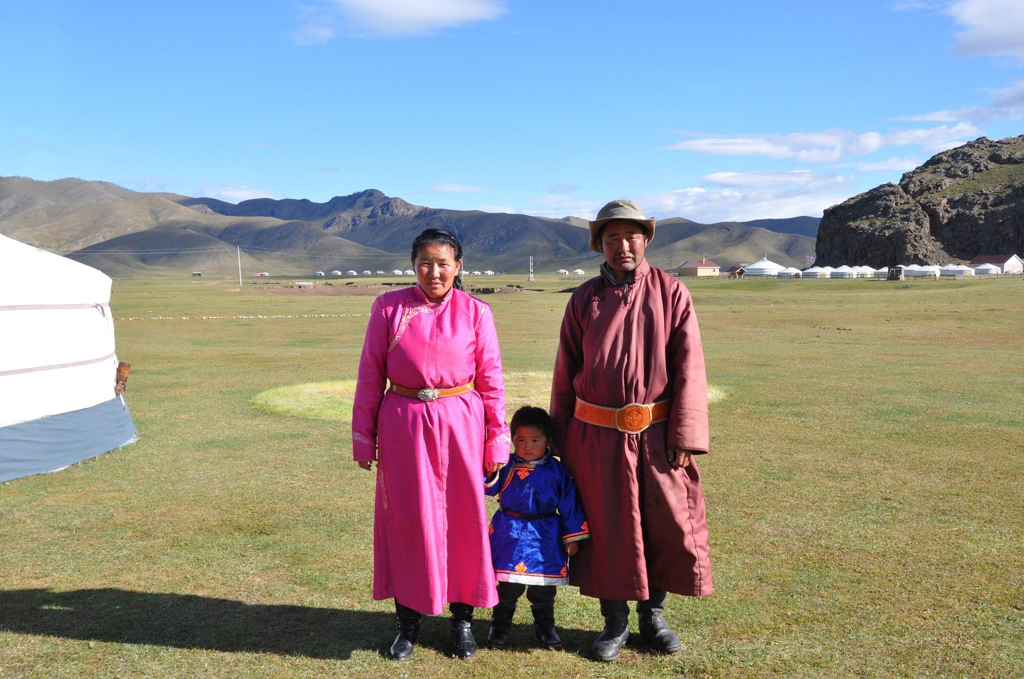 Famille nomade mongolie C tissot
