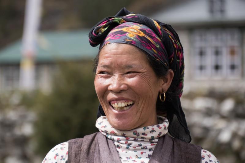 Sourire femme népalaise