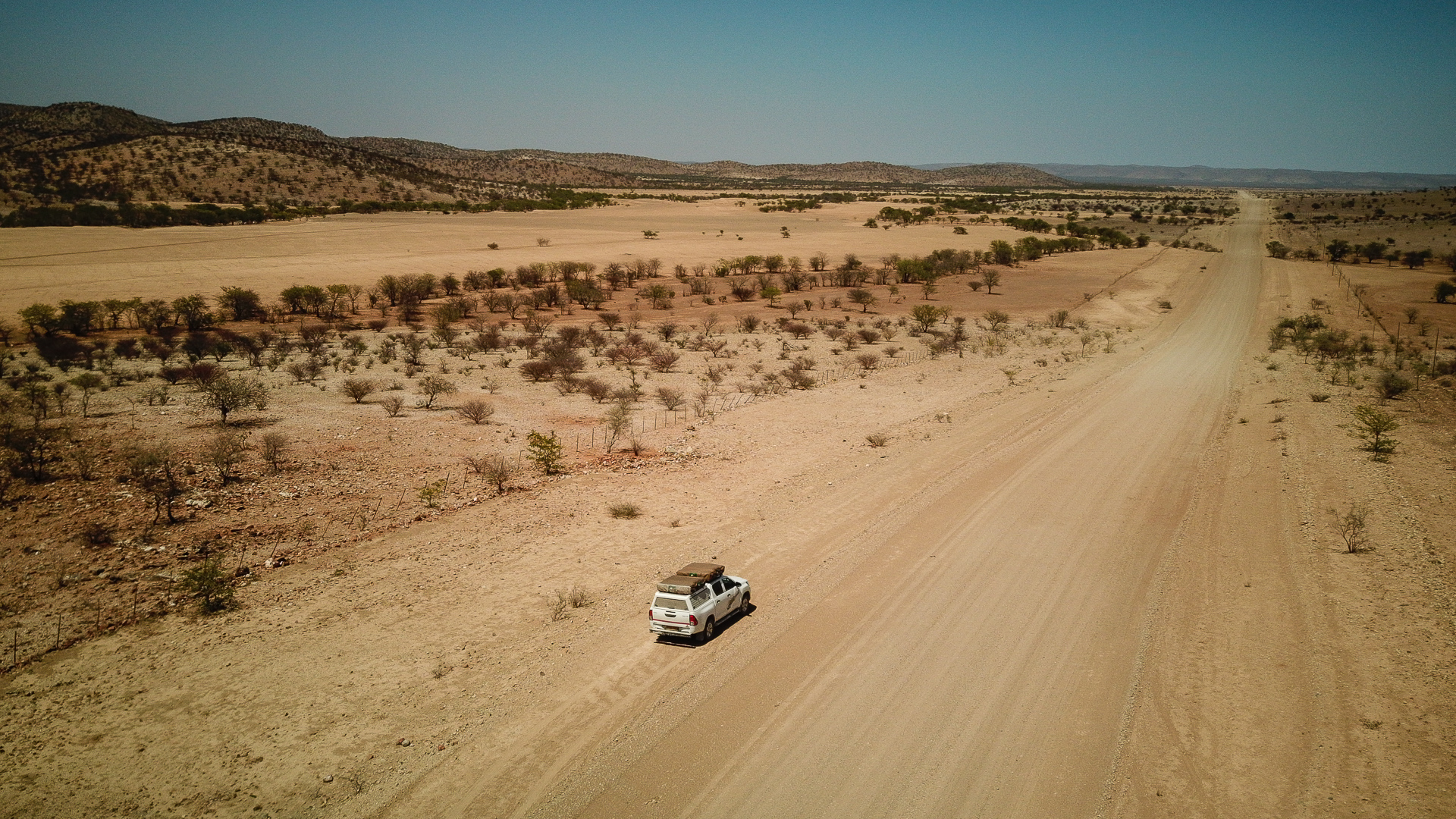 piste au sud d'etosha vers Outjo Namibie