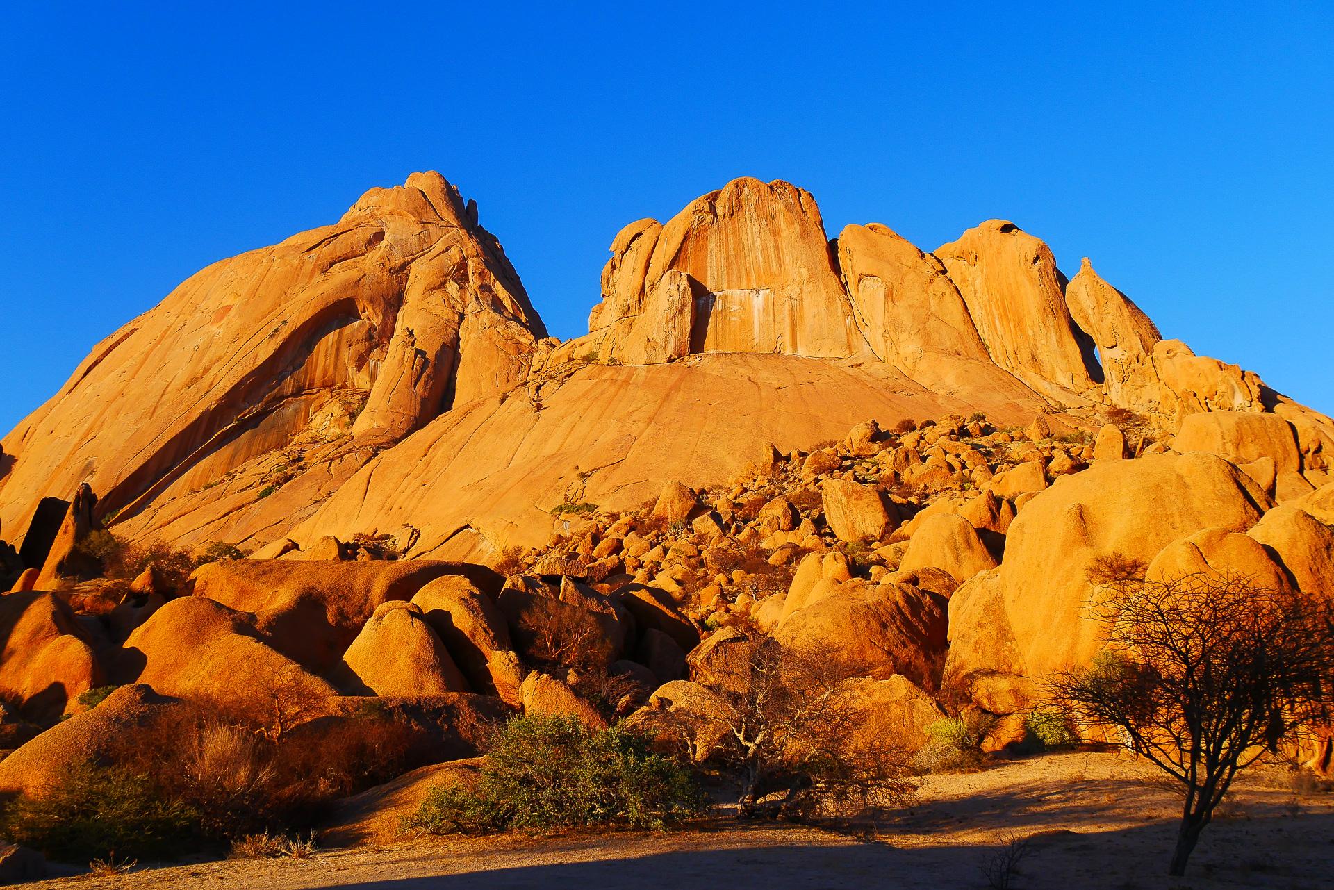 massif du Spitzkoppe Namibie