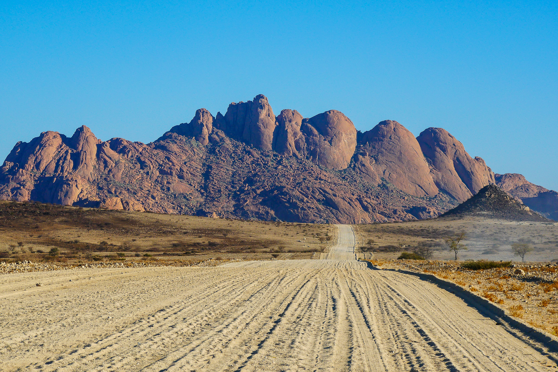panorama sur le Spitzkoppe Namibie