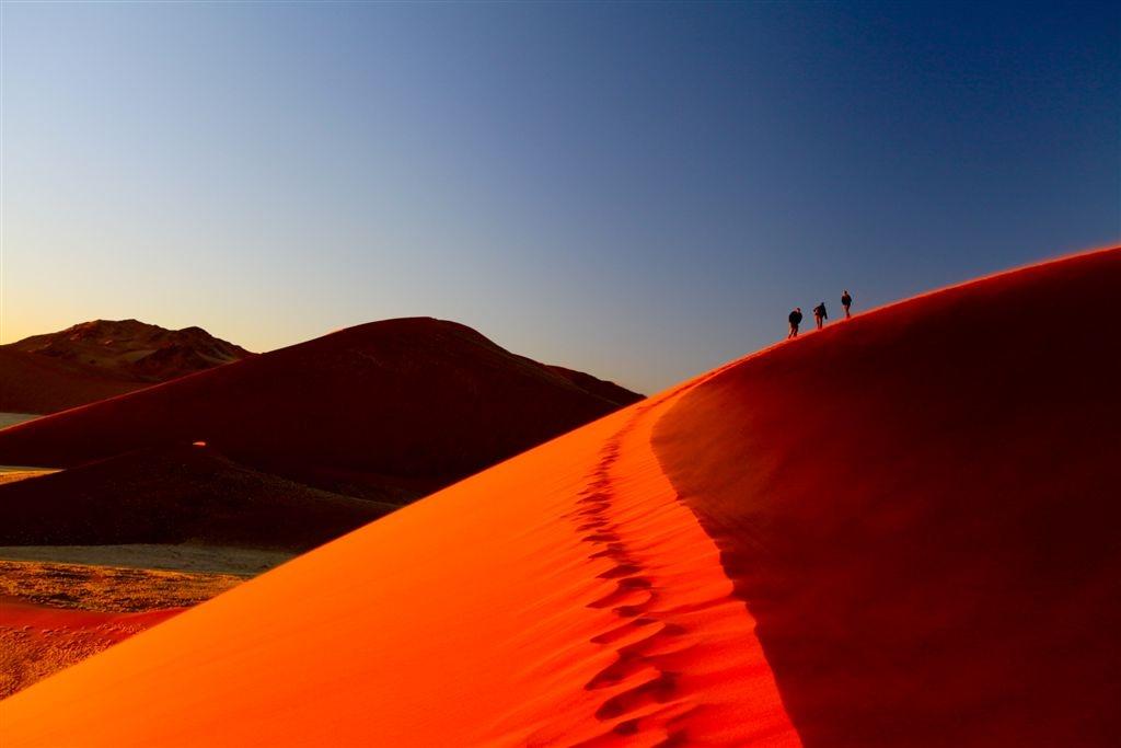 Dunes du Namib au lever du soleil Namibie