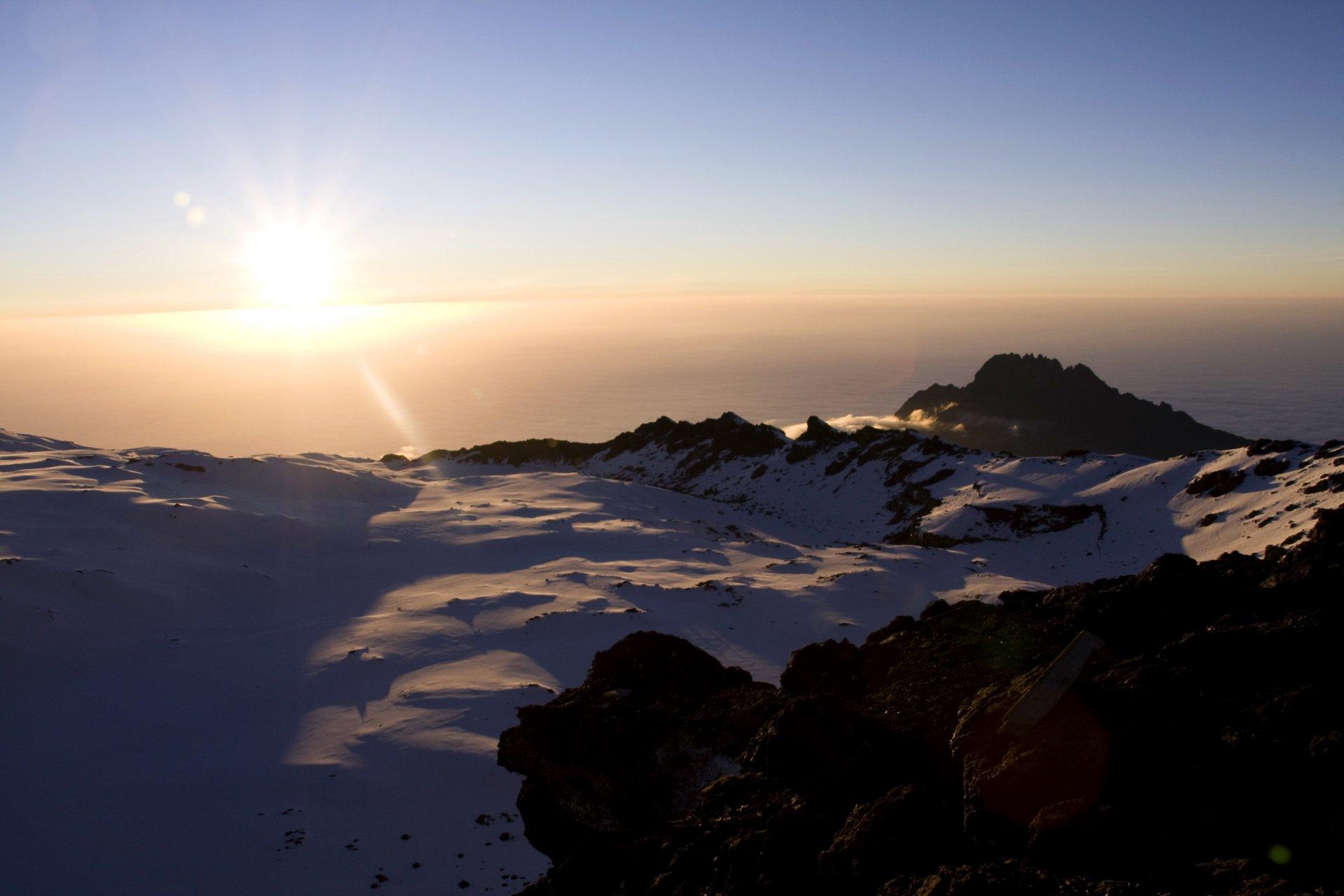 Lever de soleil depuis Uhuru Peak Kilimanjaro