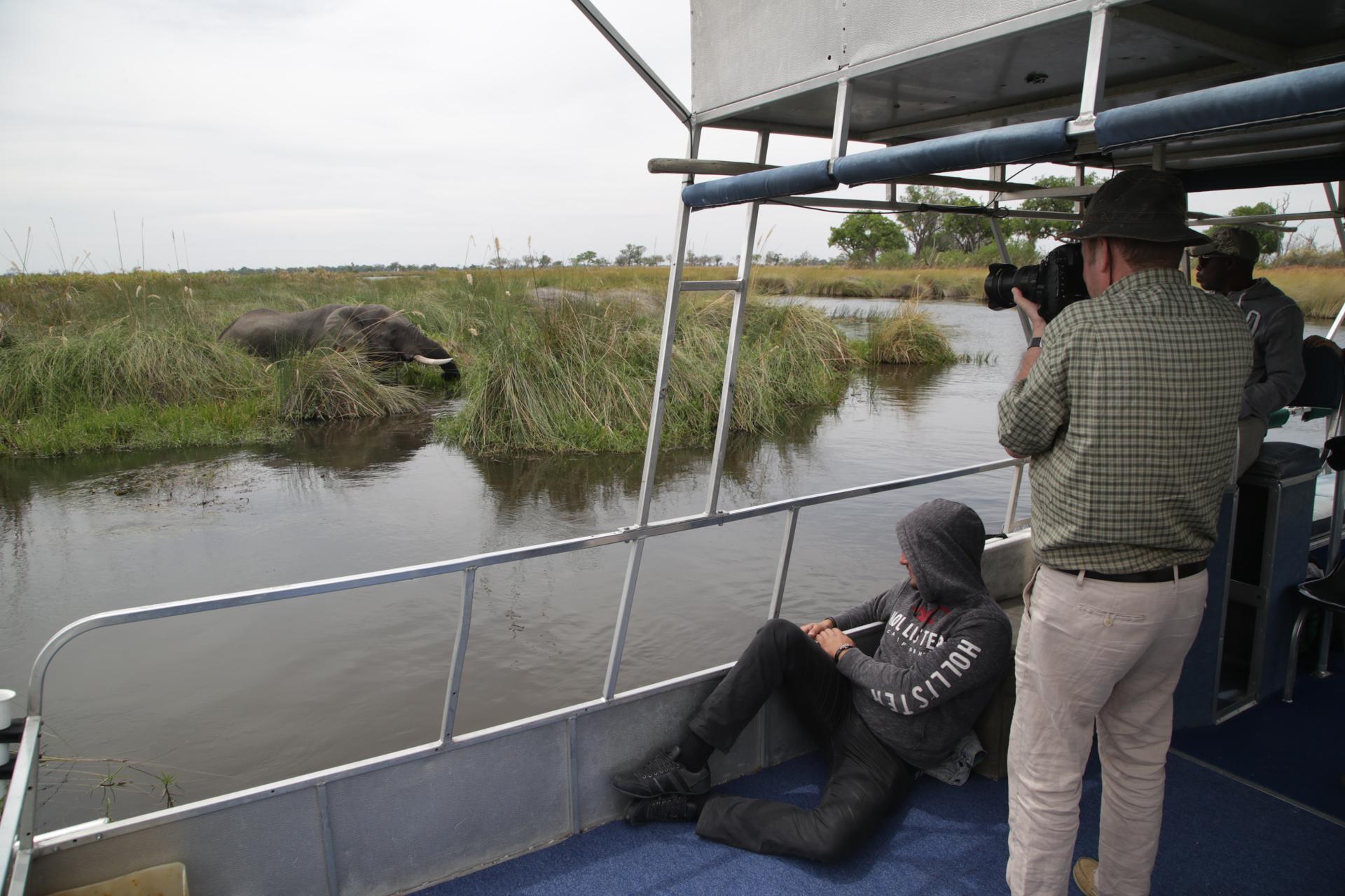 Navigation safari delta okavango