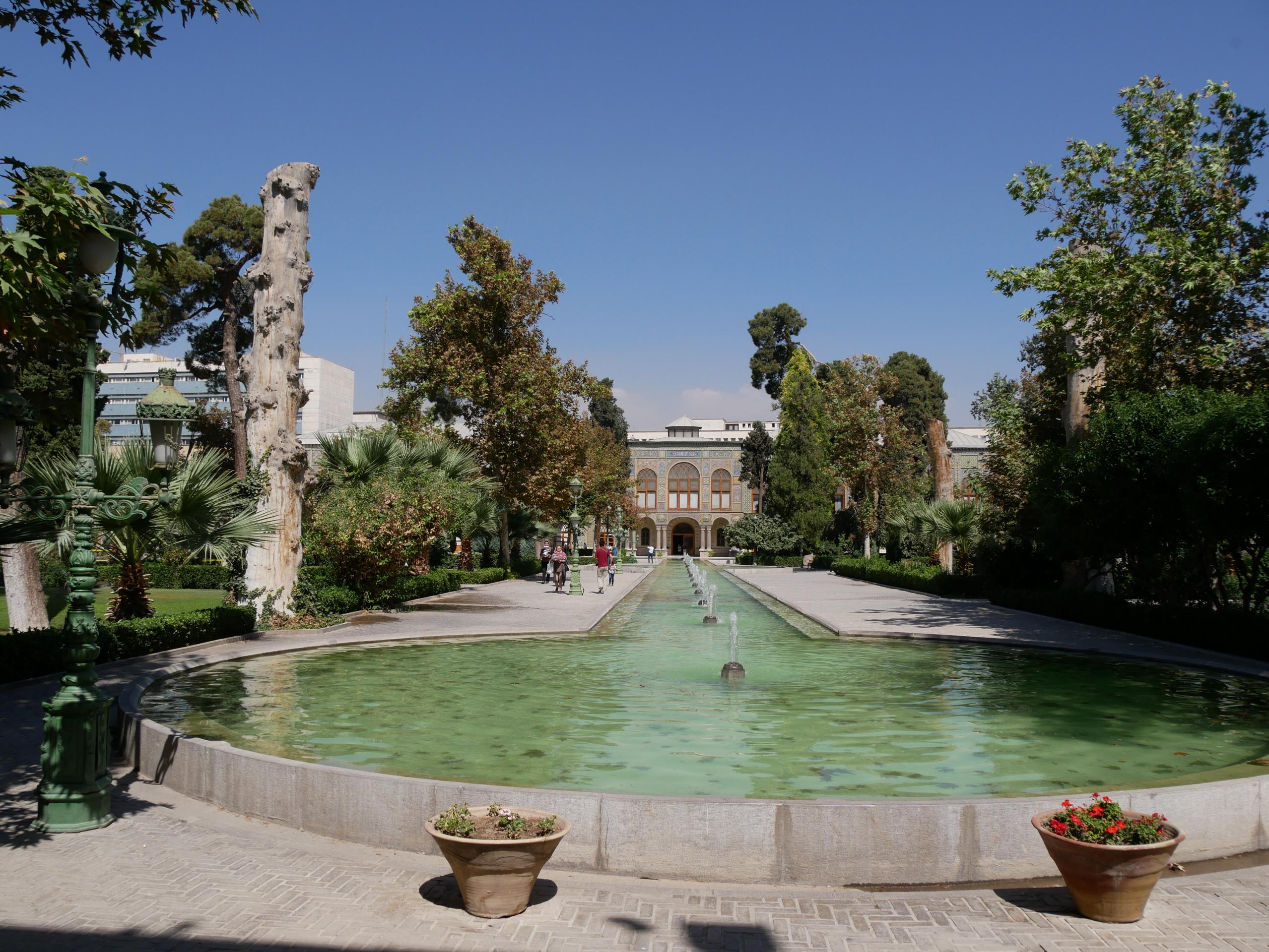 Jardins du palais du Golestan à Téhéran