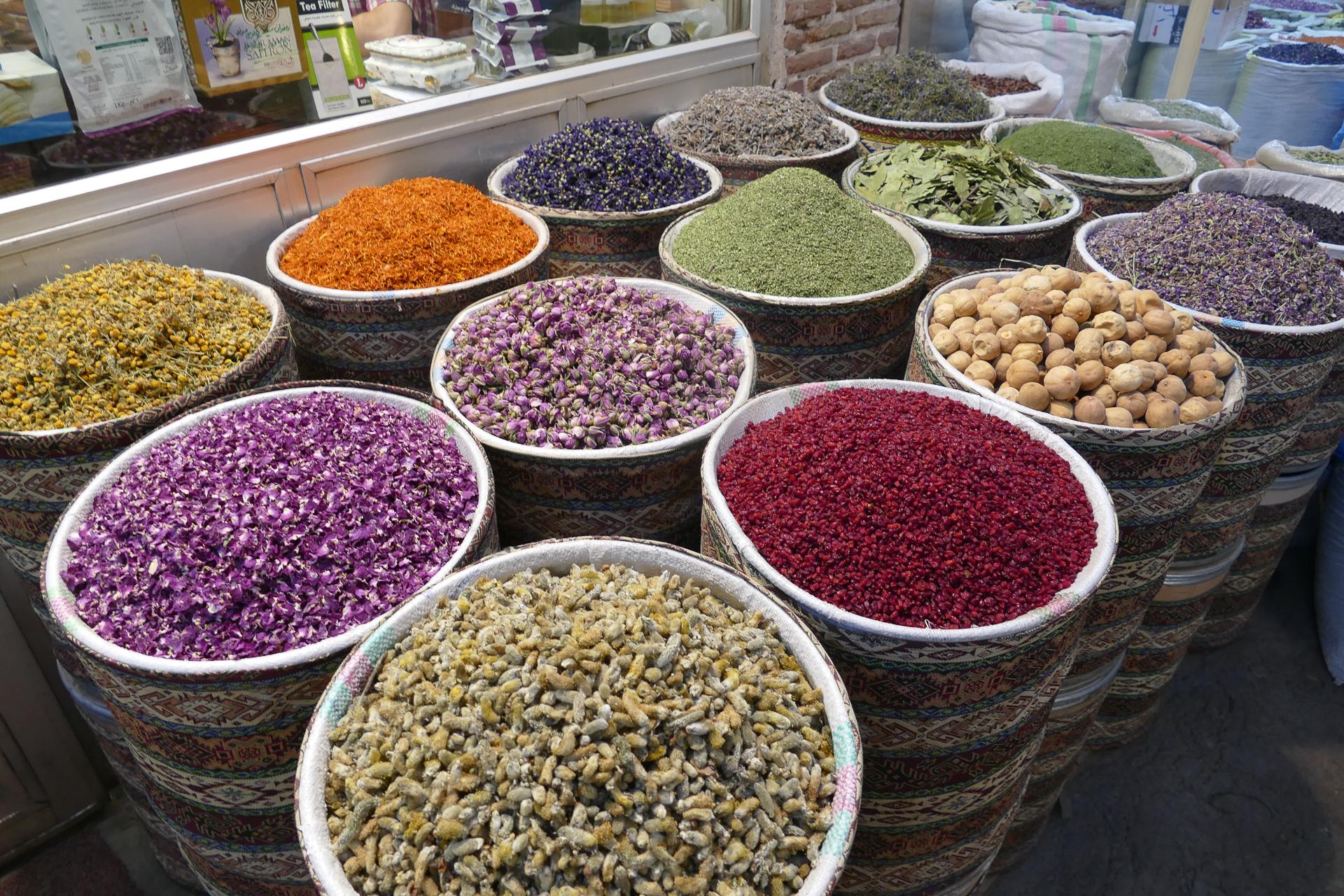 Panaché de couleurs au bazar de Tabriz