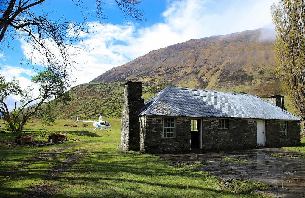 Très vielle maison (fin du XIXème) qui sert de lodge dans la vallée de la Von River