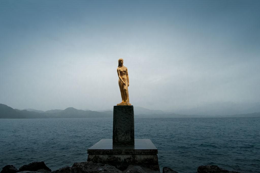La statue de Tatsuko, princesse légendaire du Lac Tazawa