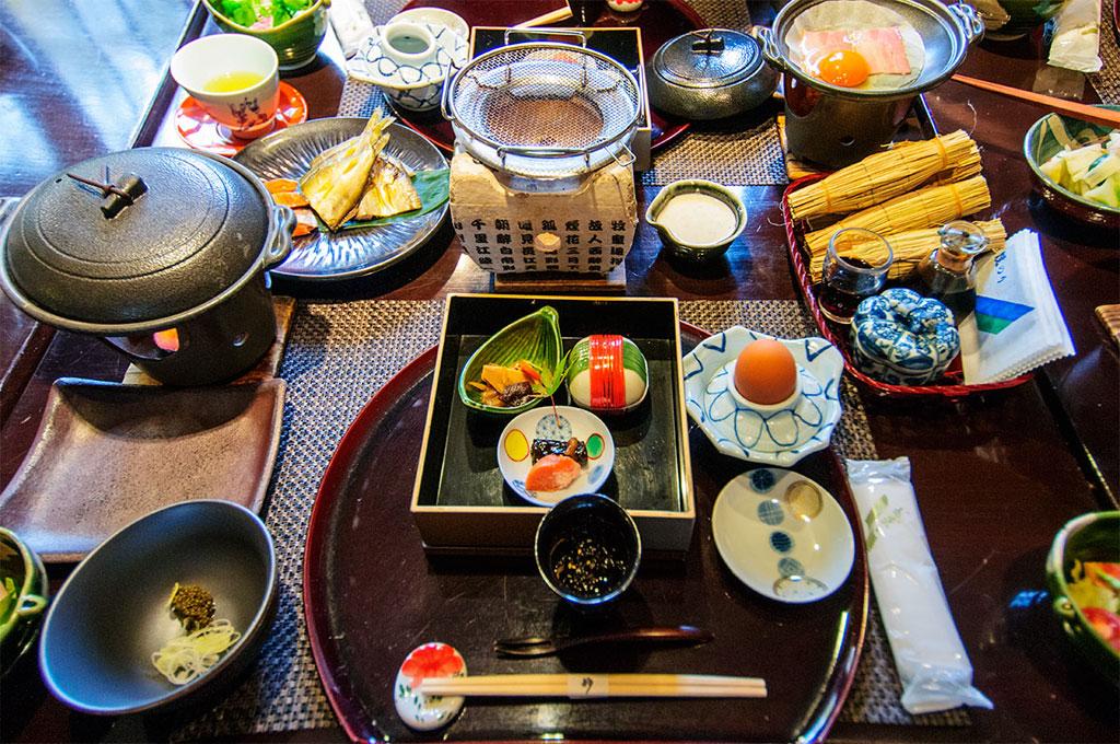 Petit déjeuner au Ryokan de Nyuto Onsen