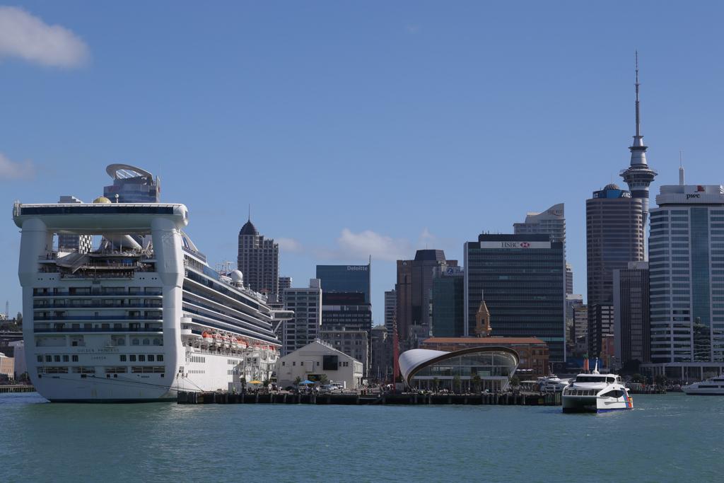Arrivée au port d'Auckland