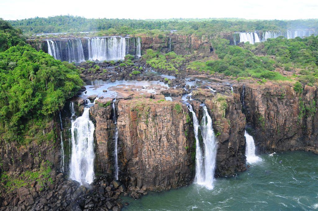 Premières vues depuis le versant brésilien