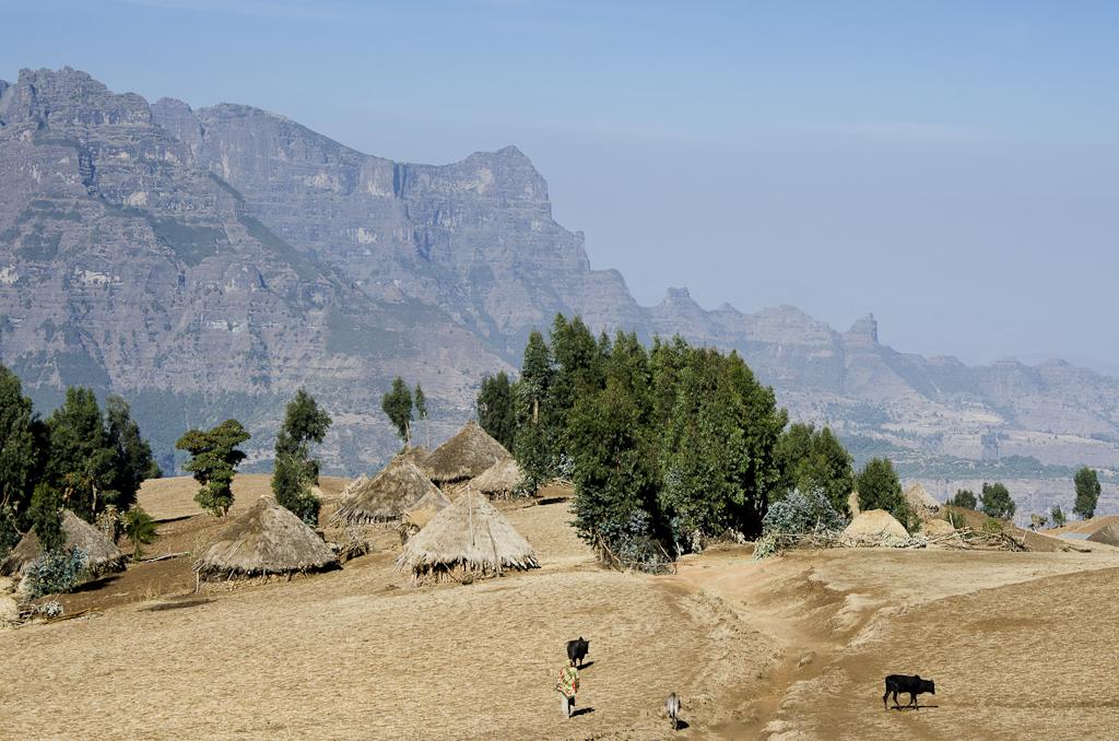 En contrebas du village de Sona