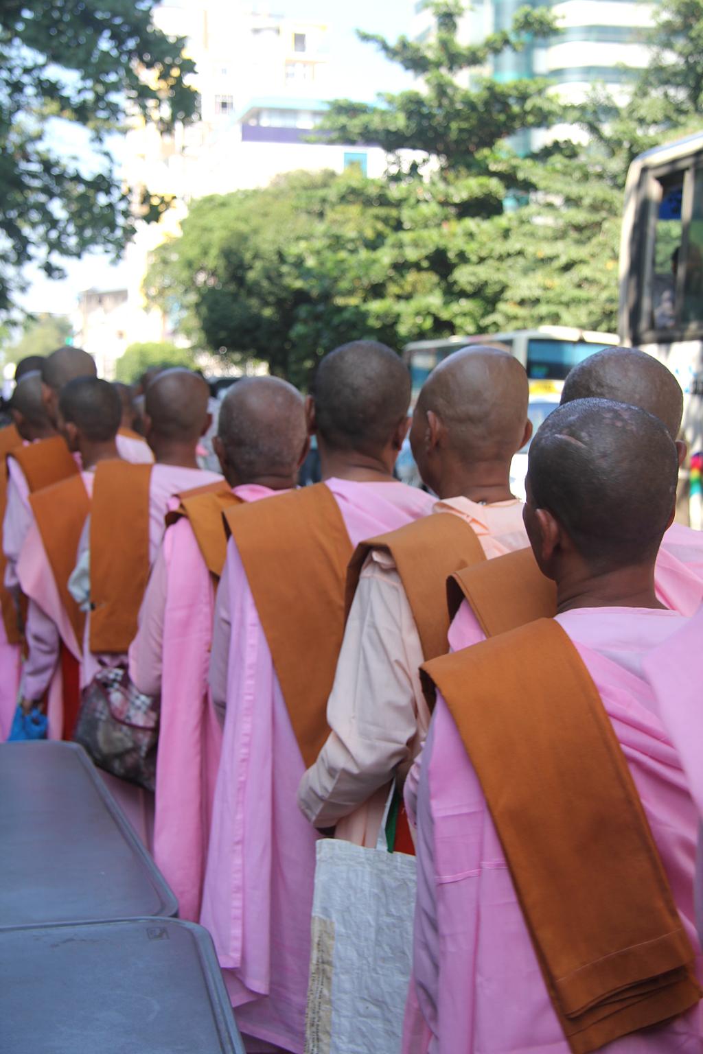 Procession des nonnes