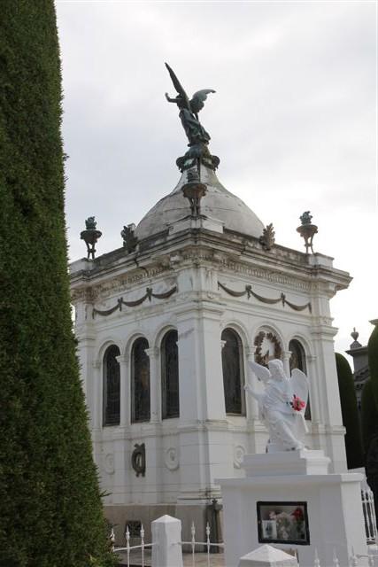 La tombe presque royale de José Menedez