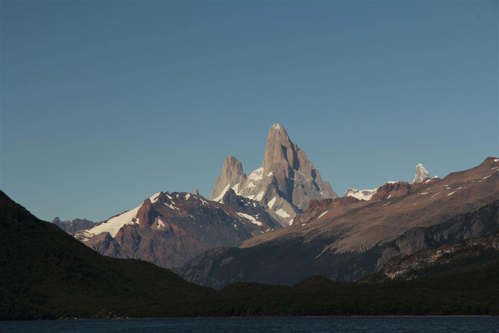 Poincenot, Fitz Roy et Cerro Torre depuis le bateau