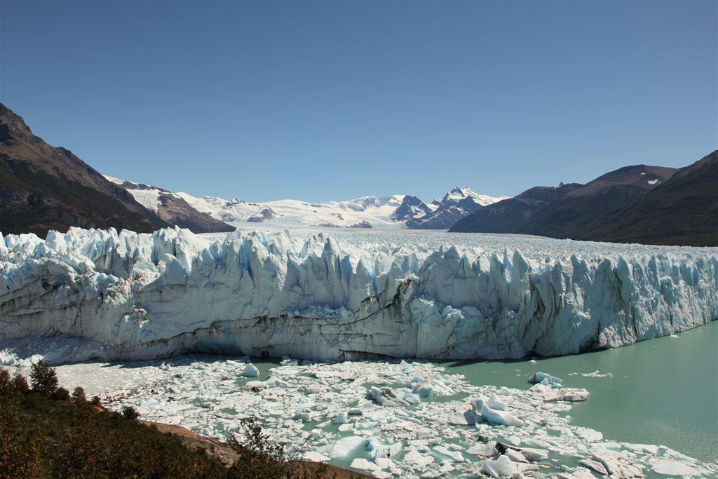 Le glacier Perito Moreno a totalement coupé en deux le lac depuis novembre 2011