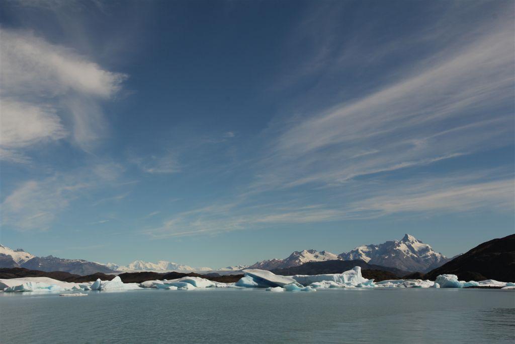 Un mur d'icebergs empêche l'accès au glacier Upsala