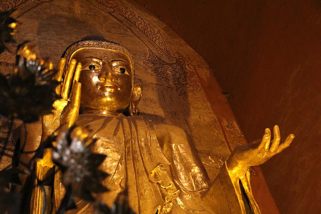 Bouddha debout, paya Ananda