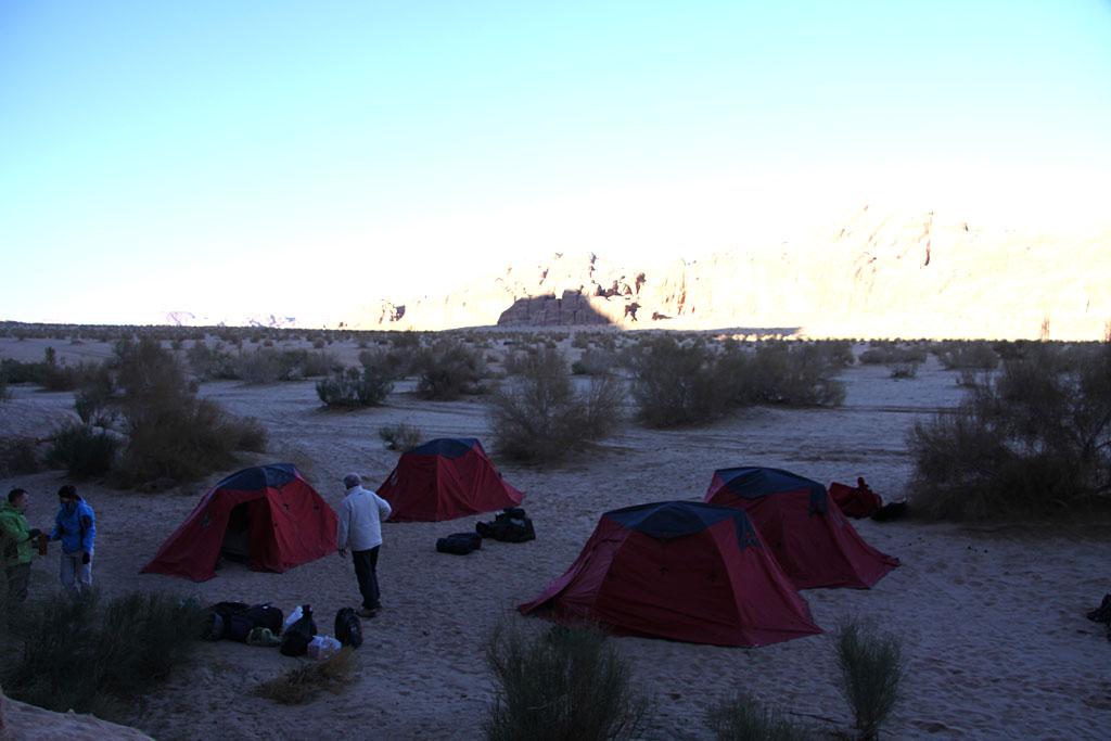 Découverte de notre camp au petit matin
