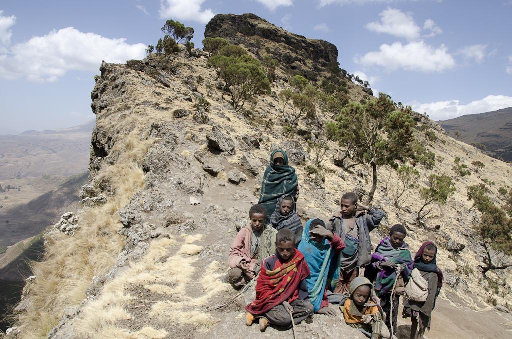 Rencontre avec les enfants, près du camp de Chennek