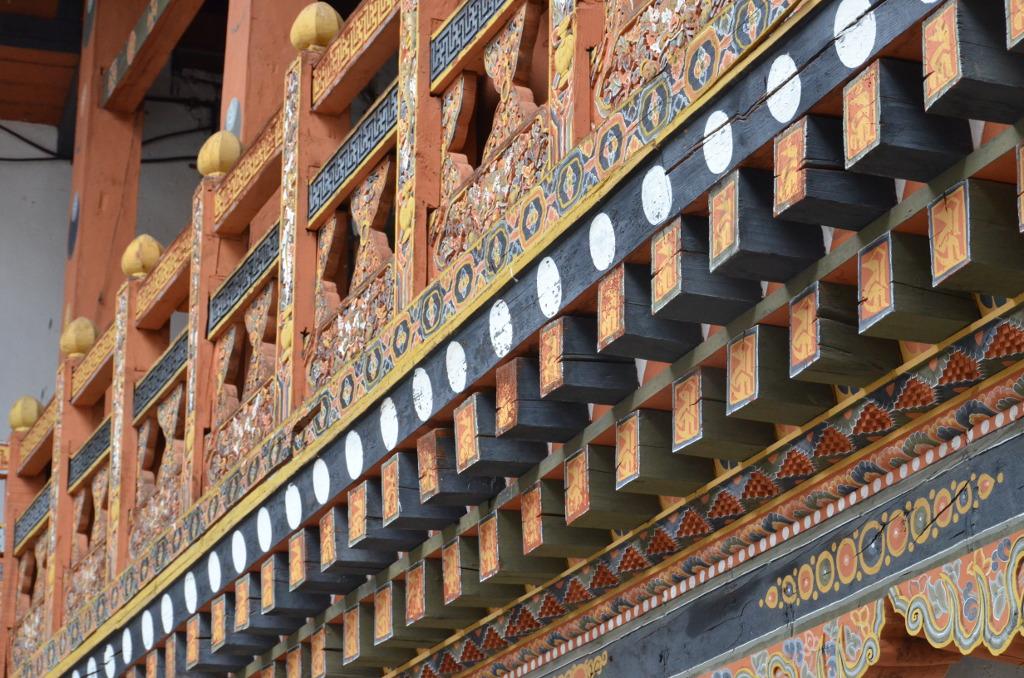 Les moindres recoins des façades sont peints et sculptés